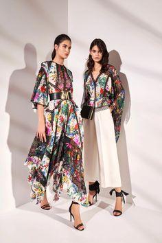 International Fashion, Fashion 2020, Fashion News, High Fashion, Fashion Show, Fashion Looks, Fashion Design, Fashion Trends, Couture Fashion