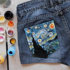 """Instagram'da Publicity For Artists: """"""""Starry Night"""", painted on a shorts pocket. Artist @albaricoque_agc #clothes #fashion #style #shorts #pocket #art #paint #starrynight #star #night #jeans"""""""