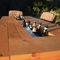 Olhem algumas ideias criativas que podem dar uma graça à sua casa: 1- Transforme uma banheira antiga em um sofá!...