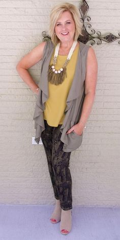 Fall transition outfit - 50 is not old fall clothing vest olive color fall Fall Transition Outfits, Casual Work Outfits, Fall Outfits, Girly Outfits, Trendy Outfits, Nice Outfits, Over 50 Womens Fashion, Fashion Over 40, Ladies Fashion