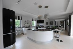 Quinta do Lago : Modern kitchen by Cheryl Tarbuck Design
