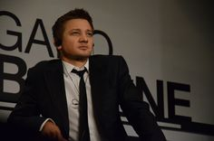 Jeremy Renner - Promoting Bourne Legacy Mexico