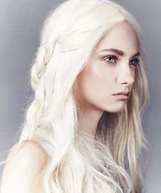 I love white blonde hair, it seems so etherial!