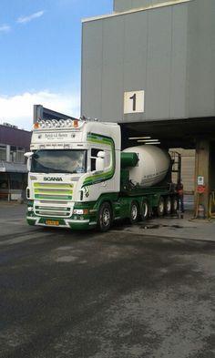 Concrete mixing trailer @ Goudse Betonmortel Centrale