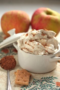 5-Minute Whipped Caramel Apple Pie Dip