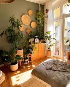 Room Ideas Bedroom, Home Decor Bedroom, Living Room Decor, Arty Bedroom, Yoga Bedroom, Artistic Bedroom, Nature Bedroom, Yoga Room Decor, Jungle Bedroom