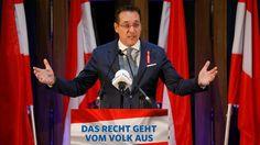 Der Chef von Österreichs drittstärkster Partei, der rechtspopulistischen FPÖ, greift die deutsche Kanzlerin an. Bei einer Rede verurteilt Strache die Haltung Merkels in der Flüchtlingskrise.