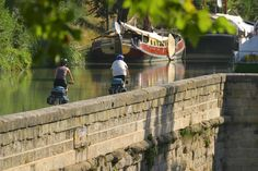 France - Bike tour along Canal du Midi from Carcassonne to Sete or Montpellier. Toulouse, Le Canal Du Midi, Ville Rose, Carcassonne, Montpellier, France Travel, Habitats, Touring, Cycling
