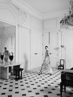 Hedi Slimane reinvente l'esprit couture d'Yves Saint Laurent