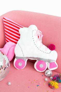 DIY: roller skate throw pillow