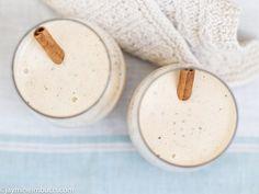 Cinnamon-vanilla banana milkshake [Vegan]
