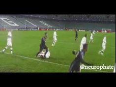 Ronaldo stepped on a player Legia | Роналду наступил на игрока Легии