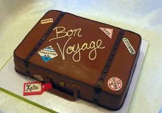 Suitcase cake<br><a href=http://www.wildorchidbaking.com target=_blank>Wild Orchid Baking Company</a>