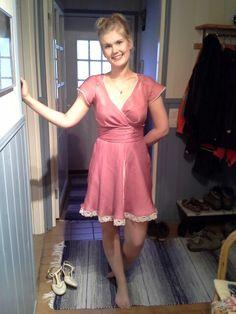 Pitkään tekeillä ollut mekko valmistui kesän juhliin - homemade dress for summer party