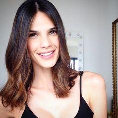 14 cortes médios de cabelo que vão te fazer suspirar