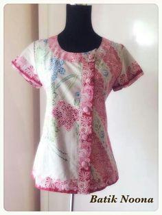 nice Batik Kebaya, Blouse Batik, Kids Fashion, Womens Fashion, Skirt Pants, Tunic Tops, Plus Size, Top Top, Clothes For Women