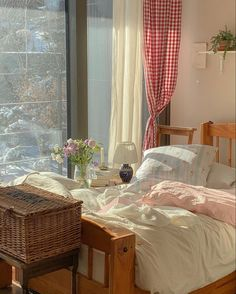 Dream Rooms, Dream Bedroom, Room Ideas Bedroom, Bedroom Decor, Bedroom Inspo, Indie Room, Minimalist Room, Pretty Room, Aesthetic Room Decor