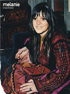 """""""Look what they've done to my song, ma"""" ***damn I loved this song, never knew what she looked like*** Melanie Safka, Linda Ronstadt, Joan Baez, Bohemian Flowers, People Icon, 70s Music, Boho Life, Popular Music, Me Me Me Song"""