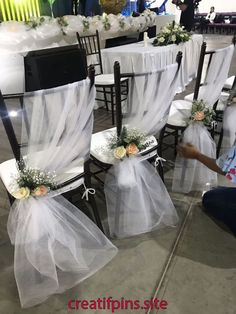 Dekoration sthle ehe haus gottes dekoration gottes stuhle fall wedding centerpieces on your big day Wedding Chair Decorations, Wedding Lanterns, Wedding Chairs, Wedding Centerpieces, Wedding Table, Rustic Wedding, Wedding Reception, Reception Ideas, Wedding Ideas