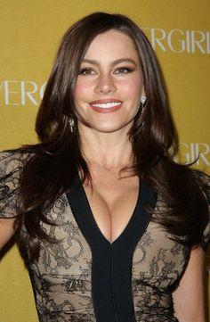 Sofia Vergaras long, brunette hairstyle