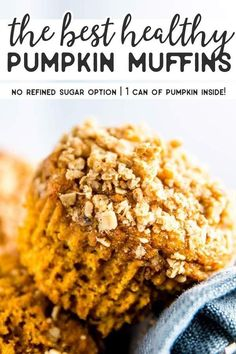 Recipes Snacks Muffins Cozy up for fall and treat your family to these healthy pumpkin muffins. They really are the best and use an entire can of pumpkin (no leftovers! Healthy Sugar, Healthy Baking, Healthy Treats, Healthy Recipes, Healthy Cookies, Pumpkin Breakfast, Pumpkin Waffles, Clean Eating Pumpkin Muffins, Best Pumpkin Muffins