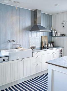 another pretty ikea kitchen - double prep bowl Kitchen Time, New Kitchen, Kitchen Doors, Kitchens Of Distinction, Ikea Kitchen Design, Kitchen Utilities, Country Kitchen, Decoration, Home Kitchens