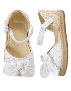Gymboree Toddler Girl White Eyelet Espadrille Sandals Source by camillakarlsson Shoes Toddler Sandals, Toddler Girl Shoes, Toddler Girl Style, Girls Sandals, Baby Girl Shoes, My Baby Girl, Kid Shoes, Toddler Outfits, Girls Shoes
