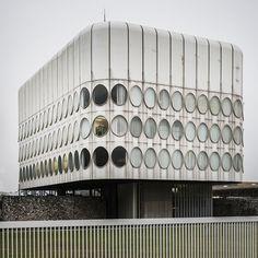 Snaidero Office Building, by Angelo Mangiarotti (1978)