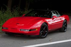 c4 corvette | CHEVROLET Corvette C4 von Donnervette - Tuning Community geileKarre.de Chevrolet Corvette C4, Old Corvette, Chevy, Car Gauges, Little Red Corvette, American Sports, Hot Cars, Dream Cars, Super Cars