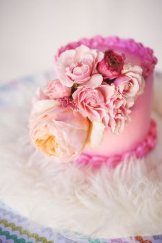 Beautiful Cake Pictures: Pretty in Pink Floral Bouquet Little Cake - Flower Cake, Little Cakes, Pink Cakes - Gorgeous Cakes, Pretty Cakes, Cute Cakes, Amazing Cakes, Sweet Cakes, Mini Tortillas, Mini Cakes, Cupcake Cakes, Beautiful Cake Pictures