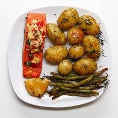 Salmon And Veggies Traybake (via Proper Tasty)Salmon and Veggies Traybake