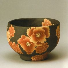Living Master Ito Sekisui V (Japanese: 1941) - Mumyoi neriage marbled ware tea bowl with flower pattern