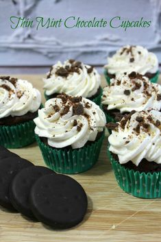 Thin Mint Chocolate Cupcakes are an elegant, yet easy dessert. These cupcakes are great to serve your guests on St. Patrick's Day or any time of the year Cupcake Flavors, Cupcake Recipes, Cookie Recipes, Cupcake Cakes, Dessert Recipes, Cupcake Emoji, Disney Cupcakes, Top Recipes, Mint Chocolate Cupcakes