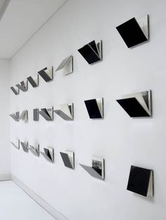 Exhibition Display, Museum Exhibition, Exhibition Space, Up Book, Book Art, Exposition Photo, Art Graphique, Handmade Books, Display Design