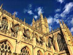 Bath Abbey, England. Photo by JFPenn Fantasy Series, Dark Fantasy, Barcelona Cathedral, Shadows, England, Bath, Building, Travel, Darkness