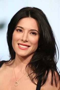 Perfect hair, eyes, cheaks, cheakbones, lips, smile, characters, body = Jaime ♥  #Jaime #Murray