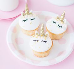 10 Easy Cupcake Recipes for Kids - Cute Cupcake Decorating Ideas for Kids cupcakes decoration hochzeit ideas ideen recipes rezepte cupcakes cupcakes cupcakes Unicorn Cake Pops, Unicorn Cookies, Food Cakes, Cupcakes Bonitos, Cupcake Recipes For Kids, Cup Cakes For Kids, Cute Cupcake Ideas, Kid Cupcakes, Icing Cupcakes