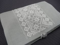 hilo刺繍教室 - Gallery > Gallery 2 <2017> Gallery Gallery, Linen Tablecloth, Album, Embroidery, Border Tiles, Hardanger, Needlepoint, Burlap Tablecloth, Card Book