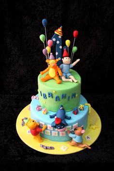 Winnie and friends cake   Flickr - Photo Sharing!