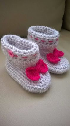 Crochet baby boots /stivaletti bambina uncinetto