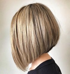 50 Latest A-Line Bob Haircuts to Inspire Your Hair Makeover - Hair Adviser Aline Bob Haircuts, Medium Bob Hairstyles, Haircut Medium, Oval Face Haircuts, Layered Hairstyles, Short Haircuts, Medium Hair Cuts, Medium Hair Styles, Short Hair Styles