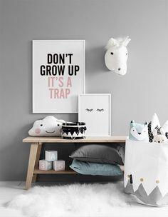 Taulut lastenhuoneen sisustukseen   Tyylikäs sisustus tauluseinällä lastenhuoneessa