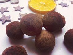 ČOKOLÁDOVÉ GUĽKY (datle, mandle, vlašské orechy, kakaového, strúh. kokos...)
