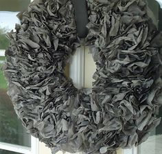 These are Coffee Filters dyed! Wonderful tutorial on how to dye Coffee Filters to the color you want. These are Coffee Filters dyed! Wonderful tutorial on how to dye Coffee Filters to the color you want. Coffee Filter Garland, Coffee Filter Roses, Coffee Filters, Coffee Filter Projects, Coffee Filter Crafts, Shabby, How To Make Coffee, Diy Wreath, Wreath Ideas
