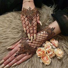 Pretty Henna Designs, Modern Henna Designs, Floral Henna Designs, Henna Tattoo Designs Simple, Latest Bridal Mehndi Designs, Modern Mehndi Designs, Henna Art Designs, Mehndi Designs For Beginners, Mehndi Design Photos