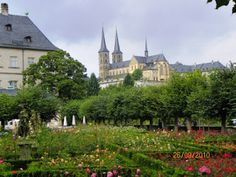 Jardines e Iglesia  #bamberg #alemania http://www.pacoyverotravels.com/2010/10/bamberg-el-corazon-de-franconia.html
