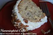 Hummingbird Cake Recipe (Most Requested Recipe at Southern Living) – Time 2 Save Workshops Humingbird Cake Recipe, Perfect Cake Recipe, Hummingbird Cake, Valentines Day Desserts, Salty Cake, Cake Trends, Cake Toppings, Savoury Cake, Mini Cakes