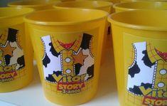 Balde de pipoca Toy Story no Elo7 | Cláudia Arte (816573) Toy Story Theme, Toy Story 3, Toy Story Party, Bolo Toy Story, Festa Toy Store, 2nd Birthday, Birthday Parties, Cumple Toy Story, Cool Toys