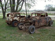 a couple of old warriors - Rescue Me Old Race Cars, Old Cars, Ford Stock, Abandoned Cars, Abandoned Vehicles, Old Warrior, Car Barn, Derby Cars, Rusty Cars