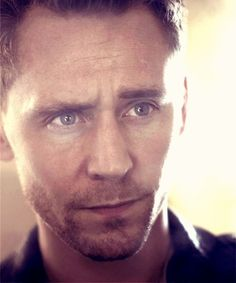 Ok @Emily Schoenfeld Schoenfeld White.....THIS is Tom Hiddleston aka Loki. Make sure Jeff sees this lol!